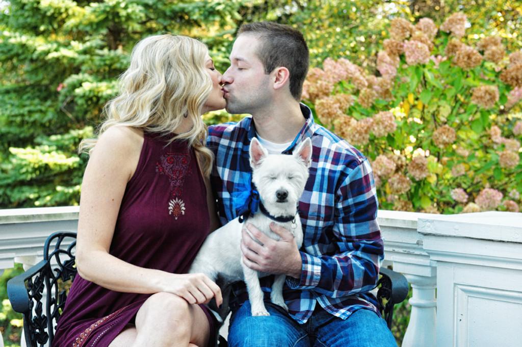 Engagement photos Mooreland Mansion Lakeland College